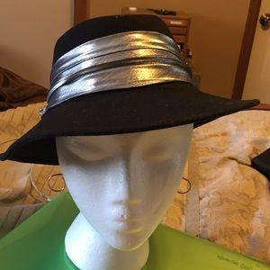 Vintage black wool hat, 7x6.5 small